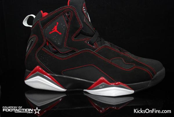 Air Jordan True Flight - Black / Red