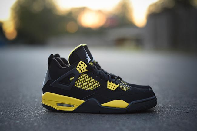 Air Jordan 4 Thunder • KicksOnFire.com