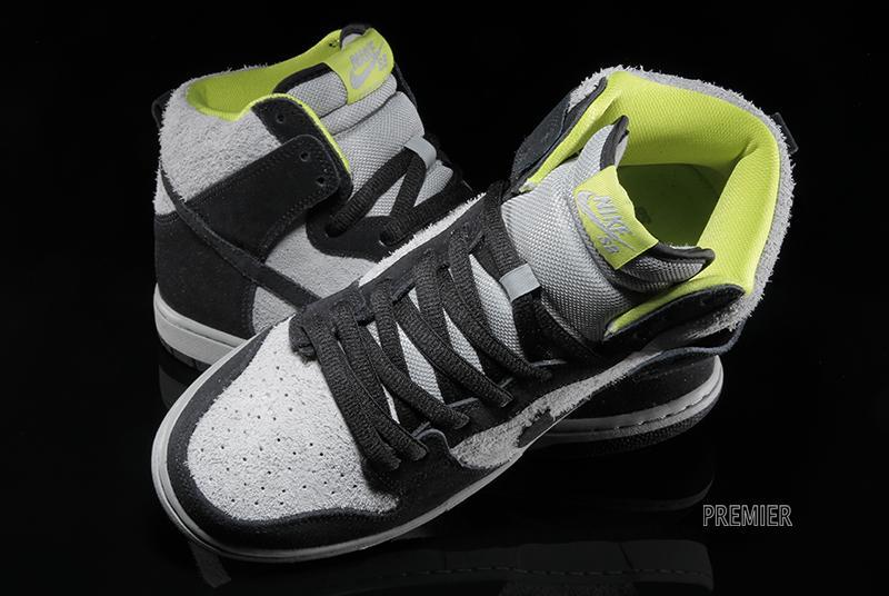 Nike SB Dunk High - Black / Base Grey
