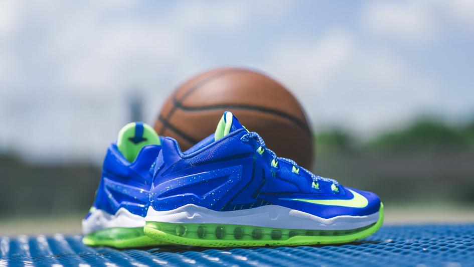 best cheap 6f240 fe40c Nike Lebron 11 Low