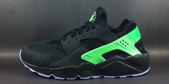 sports shoes 34757 b73af Nike Air Huarache – Black   Green • KicksOnFire.com