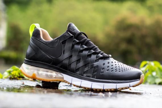 the latest d4576 3e6a6 Nike Fingertrap Max Premium - Black • KicksOnFire.com