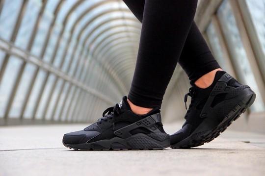 Nike Air Huarache 'Triple Black' • KicksOnFire.com