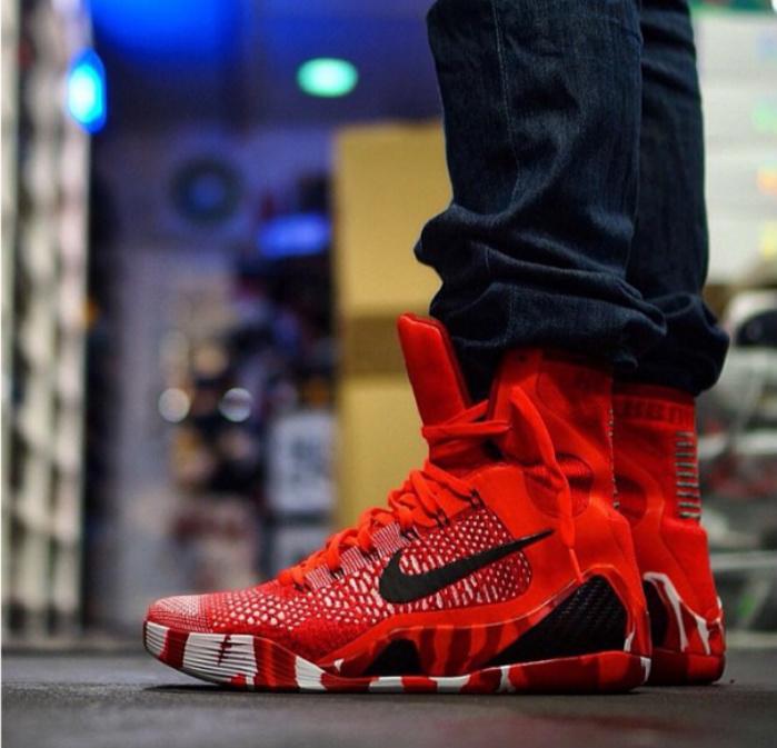"""Nike Kobe 9 Elite """"Christmas"""" - On-Foot"""
