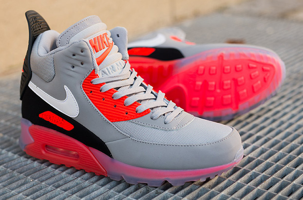 A Modern Classic: Nike Air Max 90 Sneakerboot Ice Wolf