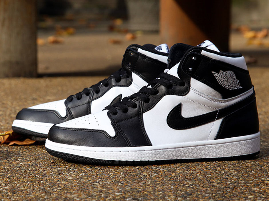 "huge selection of 2dc73 d4c11 More Images Of The Air Jordan 1 Retro High OG ""Black/White ..."