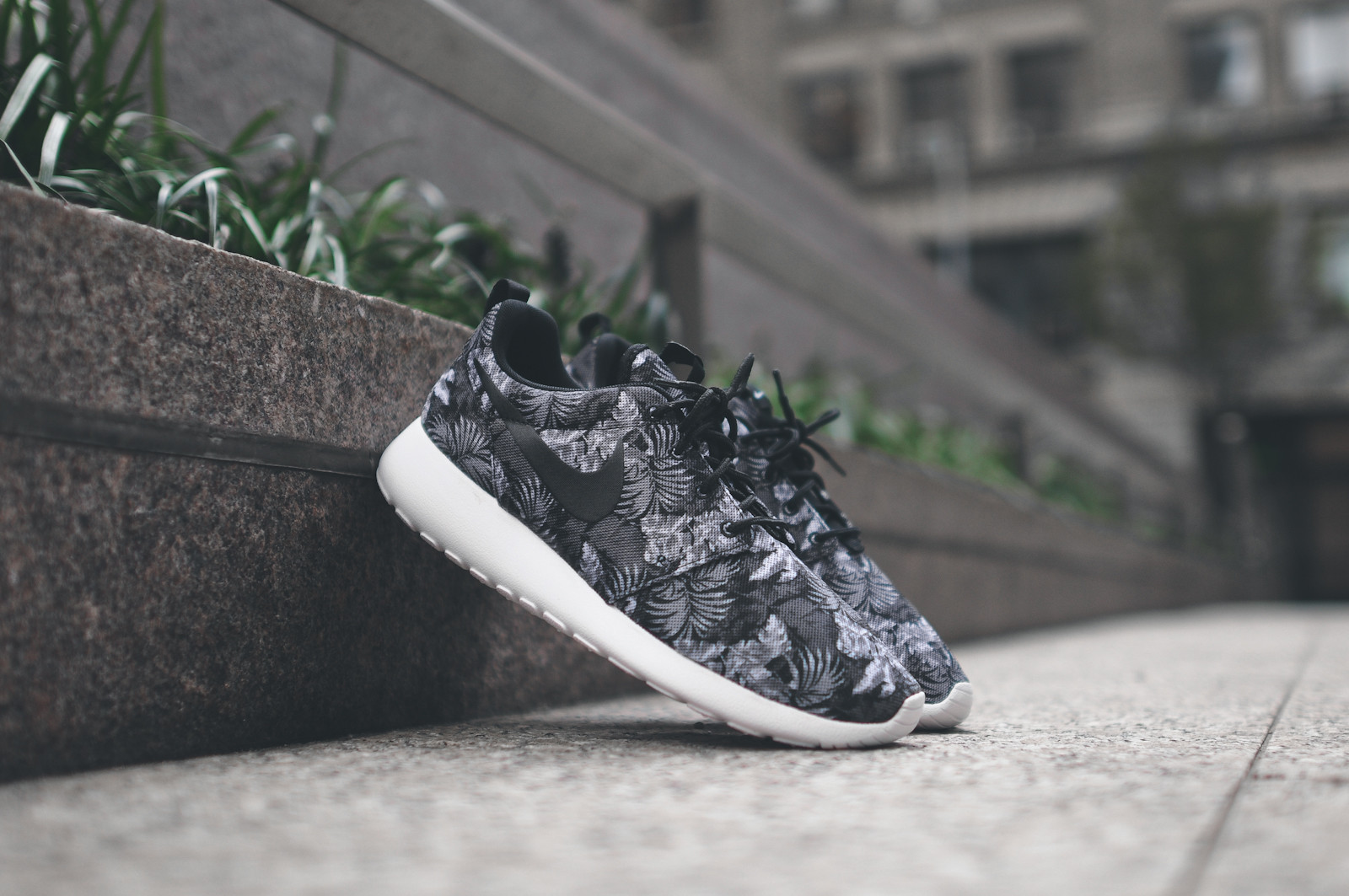 big sale 6930c 3bcc7 A Toned Down Floral with the Nike Roshe Run Print -