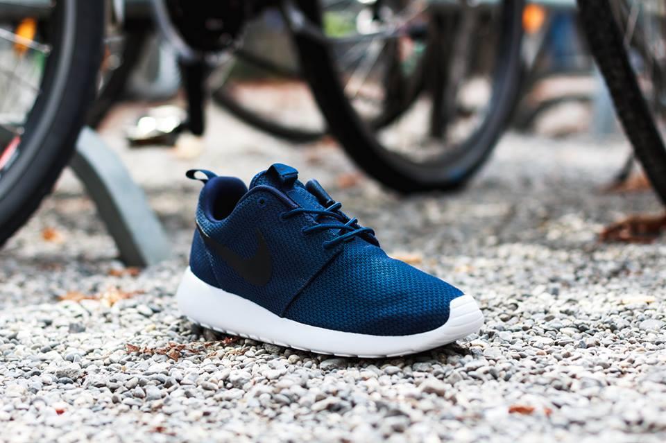 online store d5bec b6a73 Nike Roshe Run