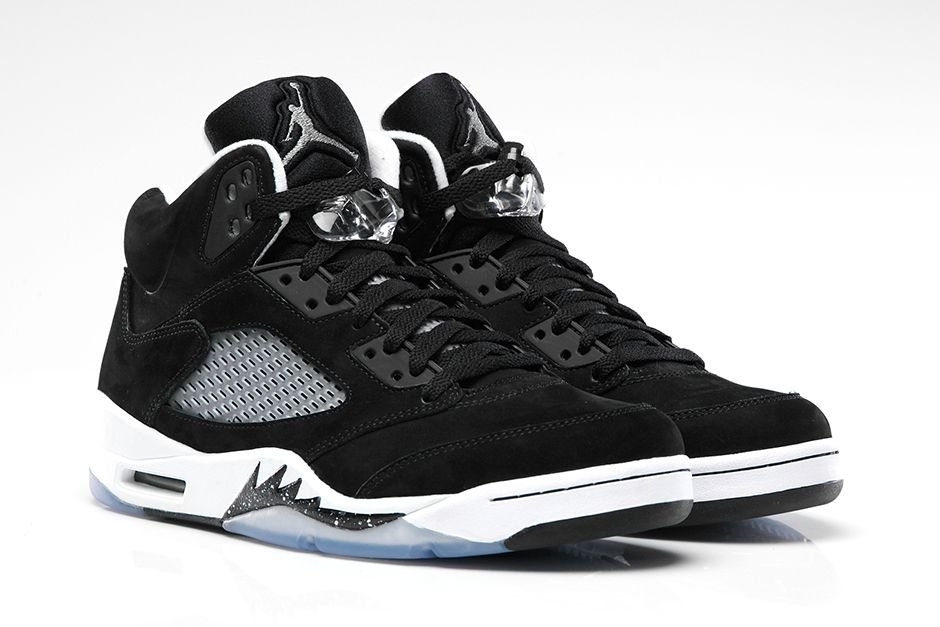 size 40 c278b f0919 The Air Jordan 5 silhouette has always come with a lot of hype. 2013 marked  a great year for the AJ 5 as they released a couple of their most coveted  ...