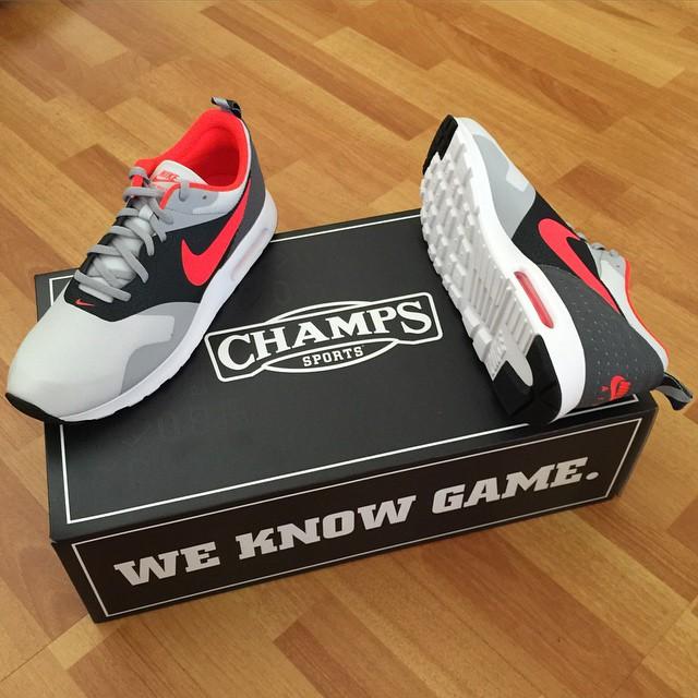 champs sports air max