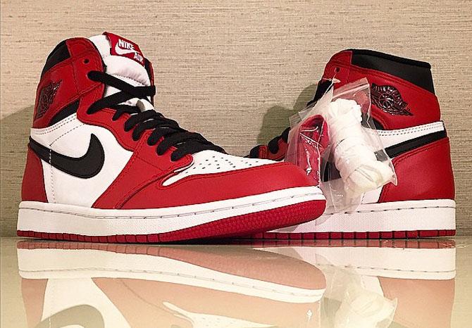 """Air Jordan 1 High OG """"Chicago"""