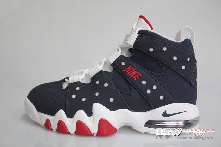 This OG Colorway of the Nike Air Max2 CB '94 is Available at