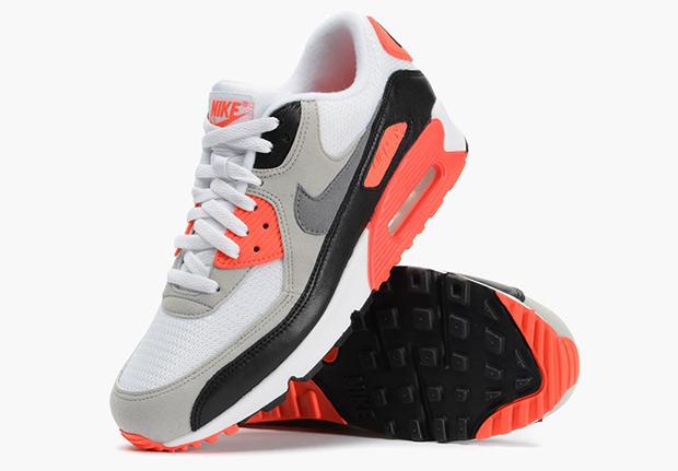 chaussures de séparation 55c39 b9c2b The Classic Air Max 90 OG