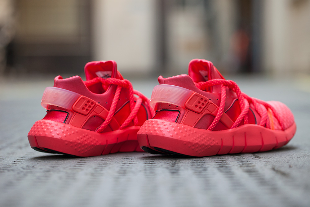 A Closer Look At The All Red Nike Huarache NM •