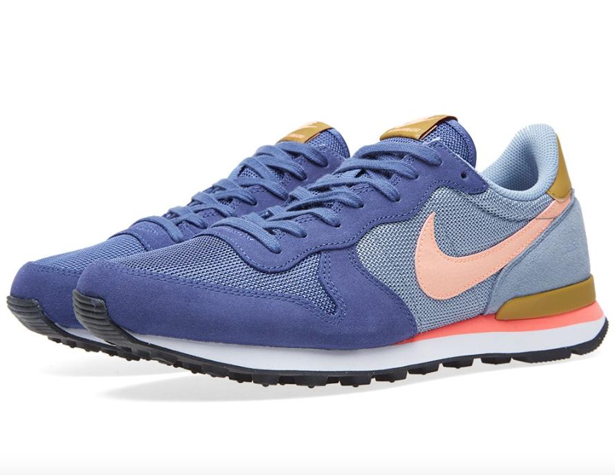 A Colorblock Nike Internationalist Blue Legend Sunset