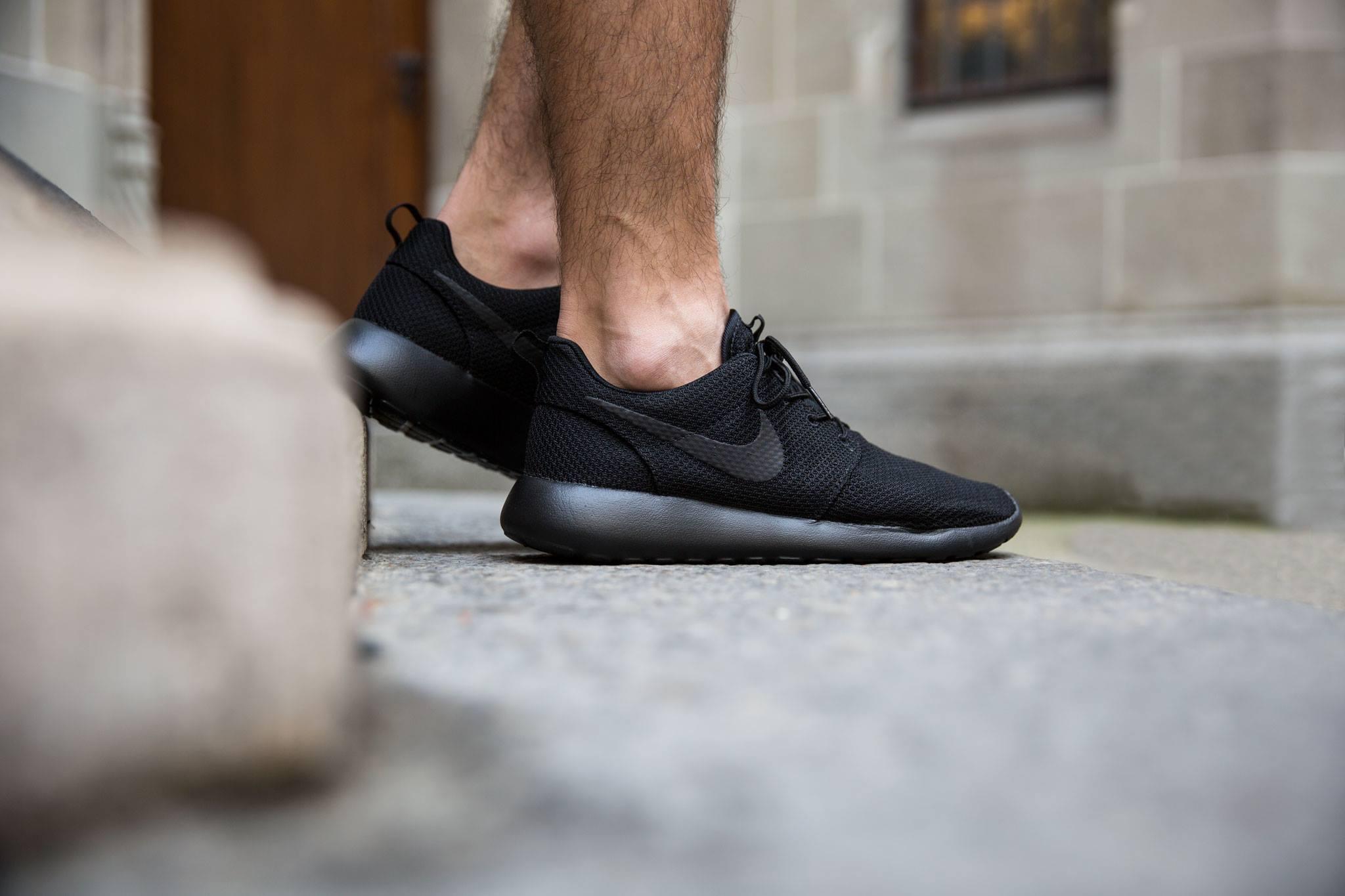 The All-Black Nike Roshe One