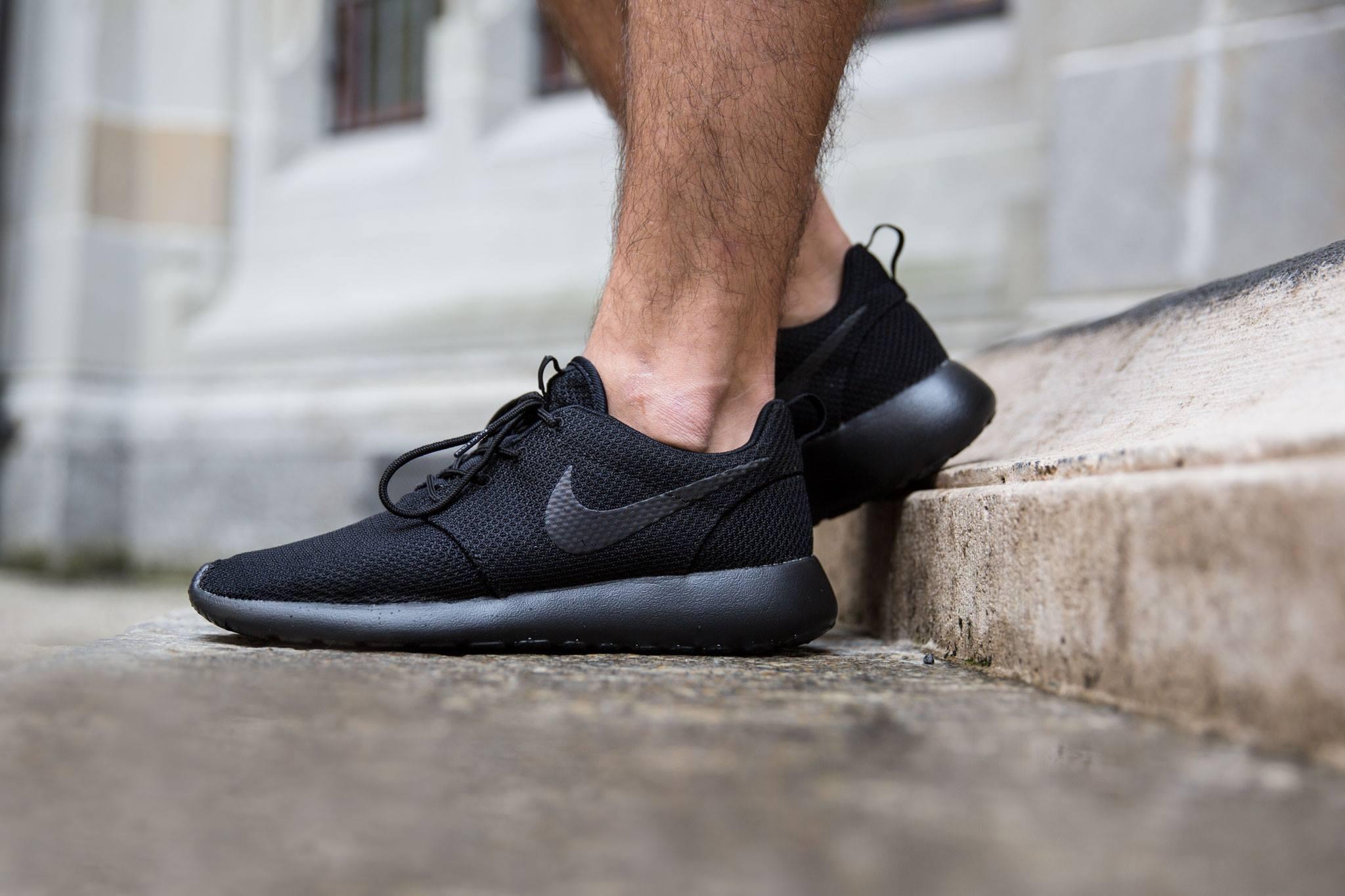 low priced e4e8f 30cf6 The All-Black Nike Roshe One • KicksOnFire.com