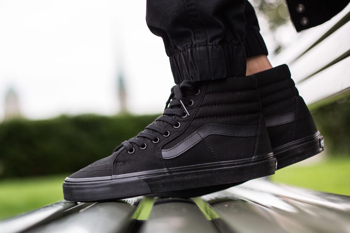 sk8 hi all black