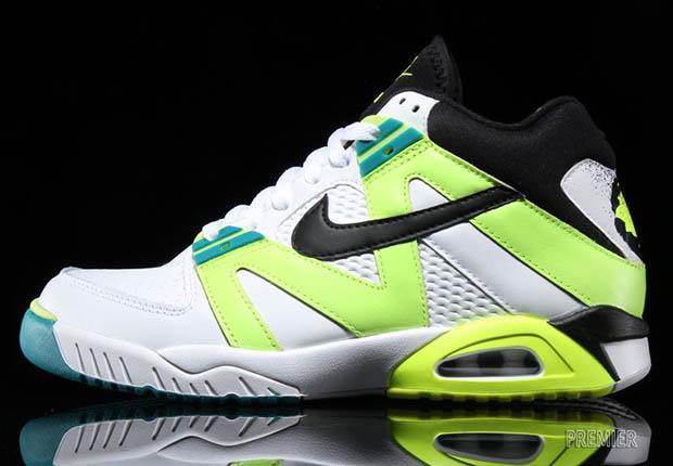 grand choix de df4ba 0b49f The Nike Air Tech Challenge 3 OG Is Back • KicksOnFire.com