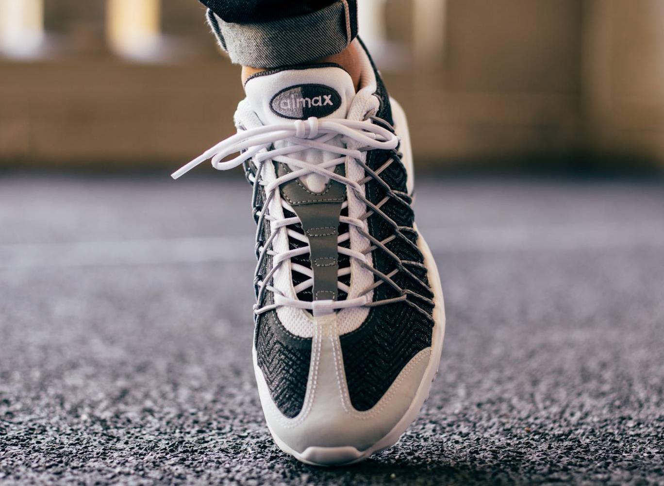 Nike Air Max 95 BlackWolf GreyWhite Release | HYPEBEAST