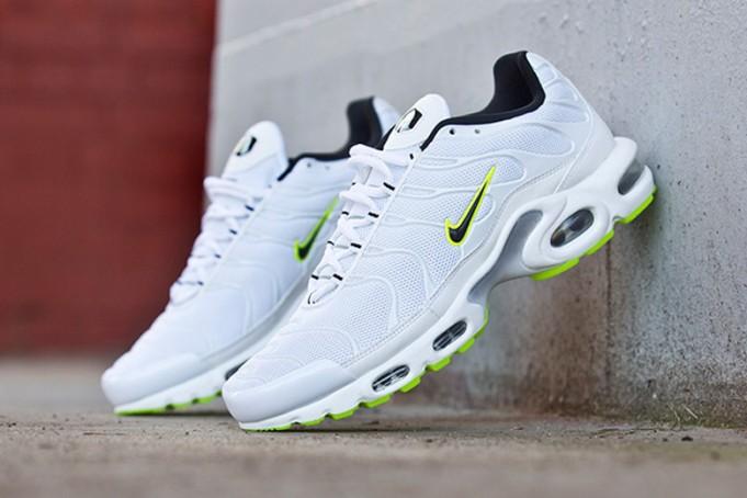Nike Air Max 2015 WhiteBlack Available Now   Nice Kicks