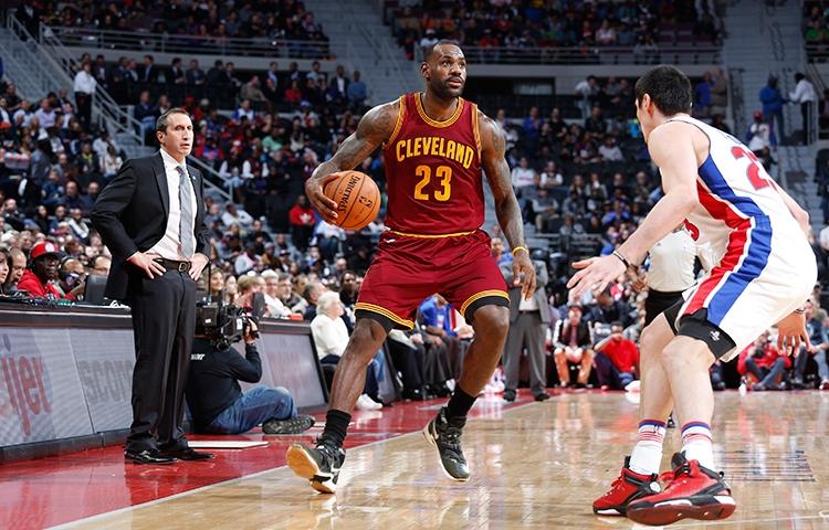 buy popular 890c8 2f57a 1LeBron James – Nike LeBron 13 PE