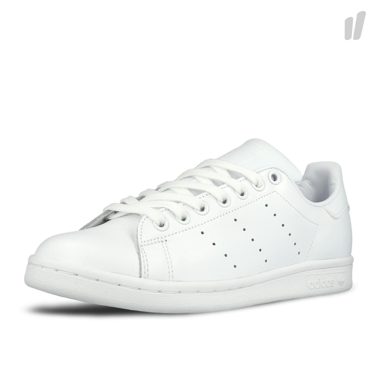 innovative design 752c0 5edb4 The adidas Originals Stan Smith Triple White Is Heavenly ...
