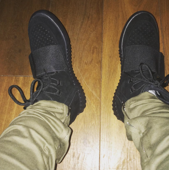 the latest 45b64 3e5d2 Kanye Gifts The adidas Yeezy 750 Boost Black To Fellow ...