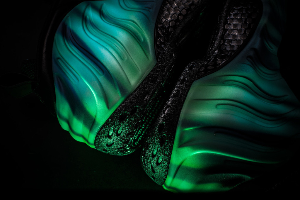 Nike Air Foamposite One Electric Green Neo LimeYouTube