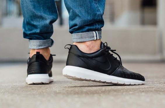 Nike Roshe Run NM Laser 1