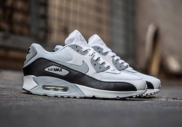 new product fb2d0 bb4ef Nike Air Max 90 White / Black / Grey • KicksOnFire.com