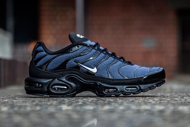 Dark Blue On The Nike Air Max Plus Kicksonfire Com