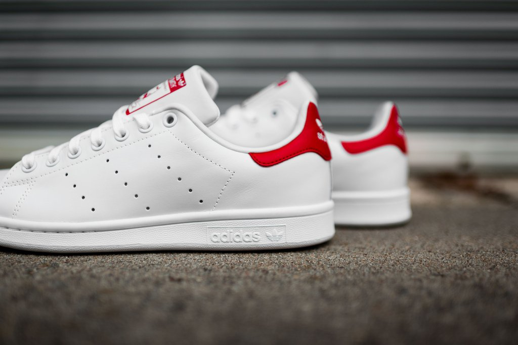 official photos 0c808 d6d01 The adidas Originals Stan Smith Gets Hit With A Simple White And Red  Colorway