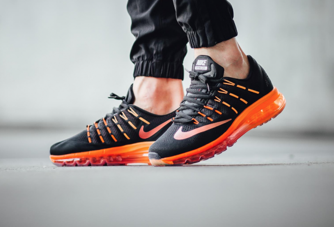 low priced 78df8 c33f2 A Gradient Of Orange Highlights This Nike Air Max 2016