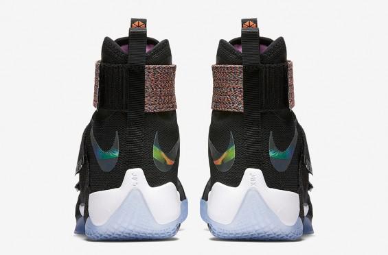 Nike LeBron Zoom Soldier 10 3