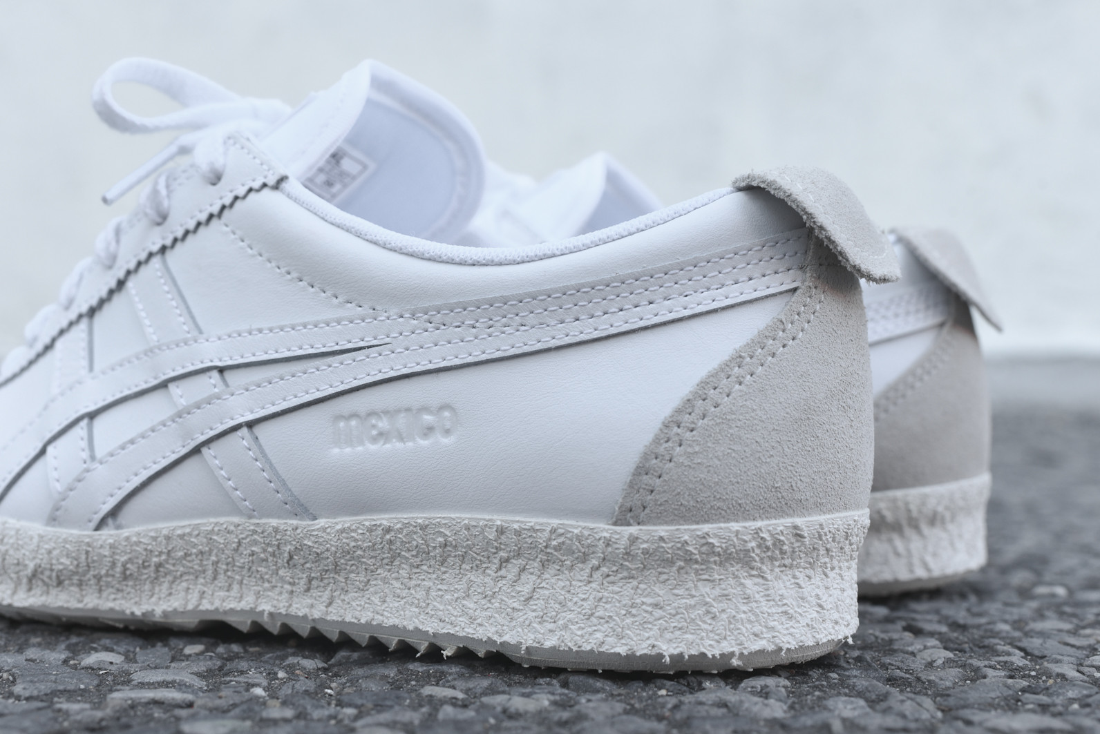 newest 9a002 0d6e4 The Onitsuka Tiger Mexico Delegation Comes In A Subtle White ...