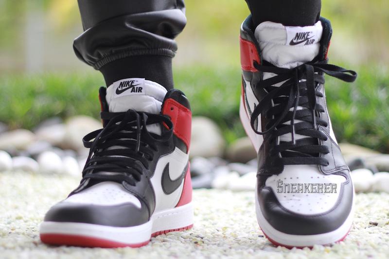 separation shoes 896f3 e1016 An On-Feet Look At The Air Jordan 1 Retro High OG Black Toe ...