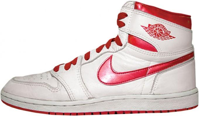 huge discount 74281 6b84e The Air Jordan 1 Retro High OG Metallic Red Will Also Return ...