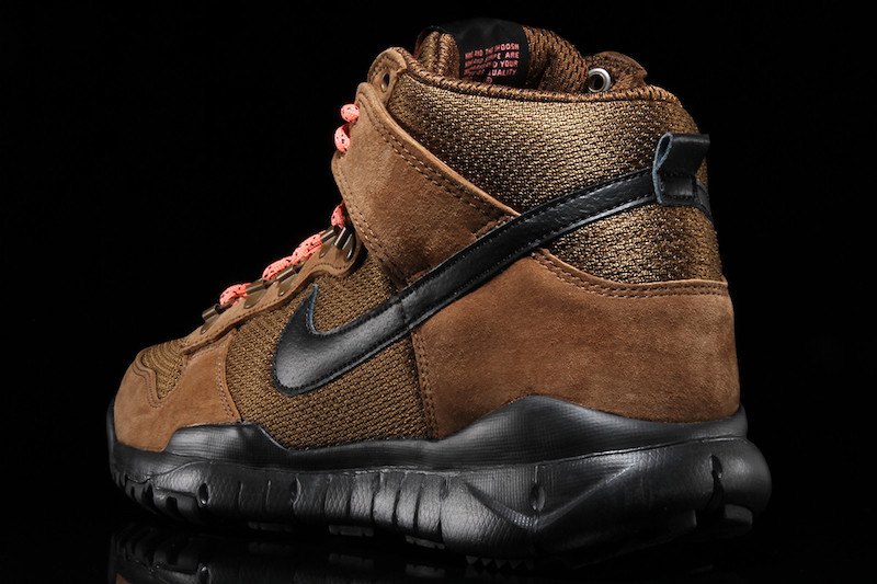 Here Are Two New Colorways Of The Nike SB Dunk High Boot