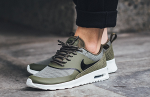 Nike Air Max Thea • Page 4 of 12 •