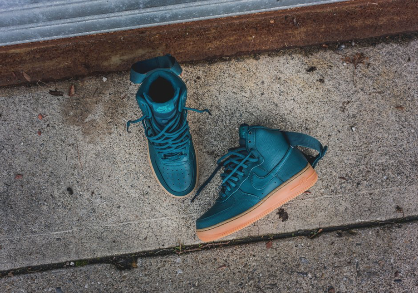 best sneakers 40cfc 4a5e5 Recently offered in night maroon, this women s iteration of the classic Nike  Air Force 1 High is rendered in midnight turquoise for its latest rendition  ...
