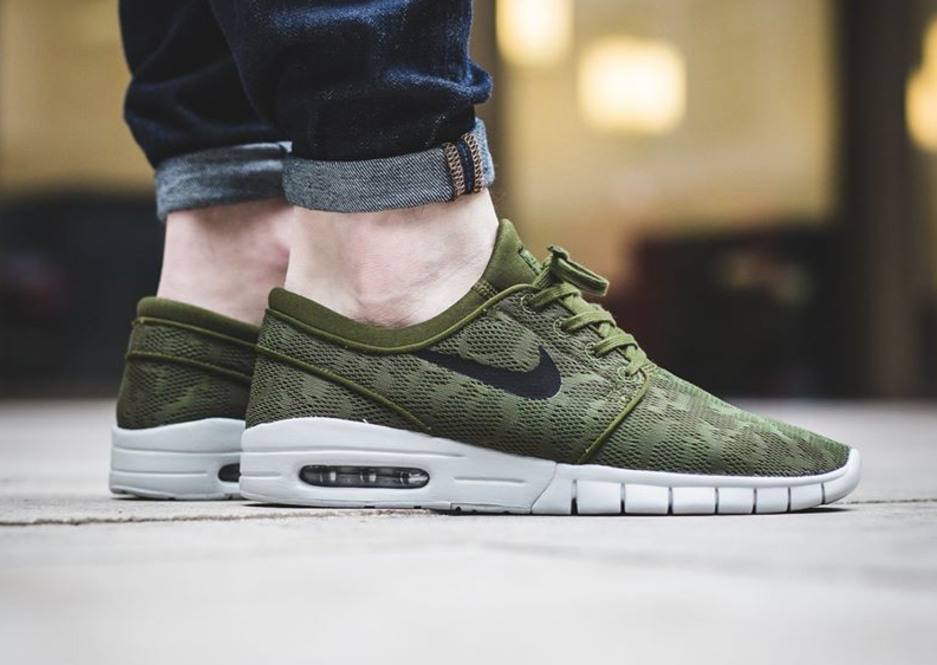 low priced ee6b2 45b28 The Nike SB Stefan Janoski Max Returns In Legion Green • KicksOnFire.com