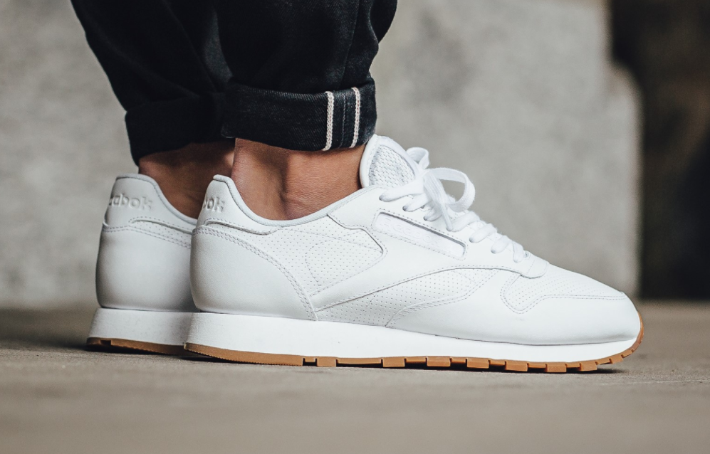 uk availability d6302 9dd87 A Timeless Combination On The Reebok Classic Leather