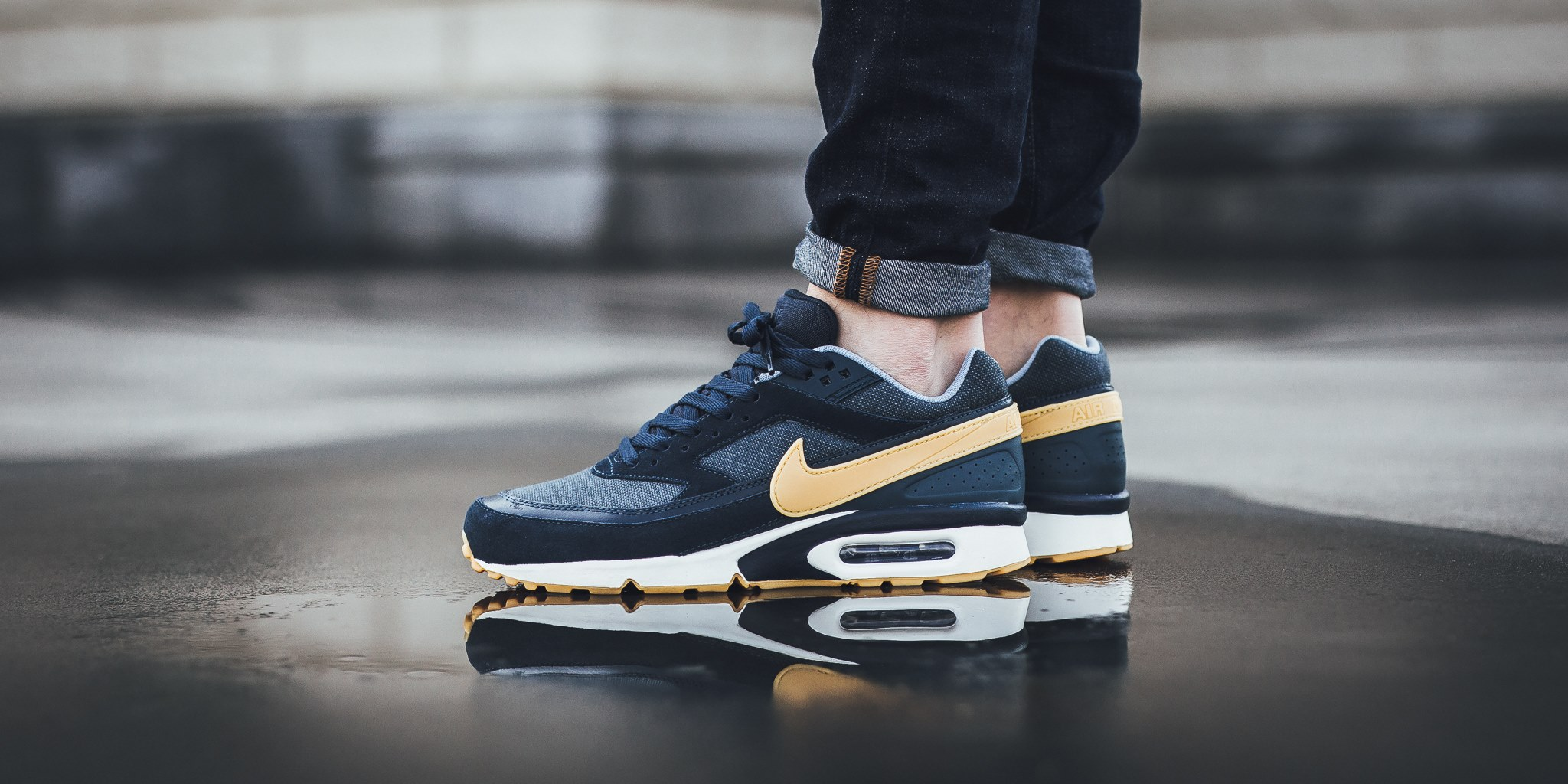 """quality design 88ff6 b69da A new colorway of the Nike Air Max BW Premium just arrived at retailers and  it sports an official finish of """"Armory Navy Gum Yellow-Blue Fox."""