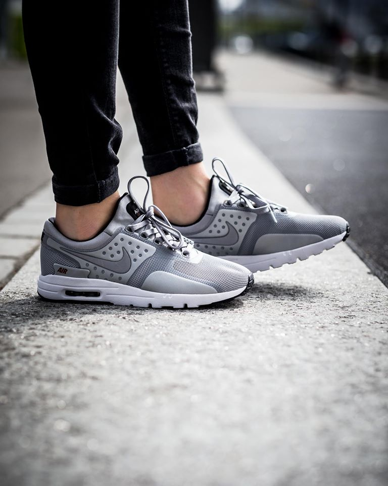 Nike Air Max Zero Metallic Silber Herren Schuhe 789695 002