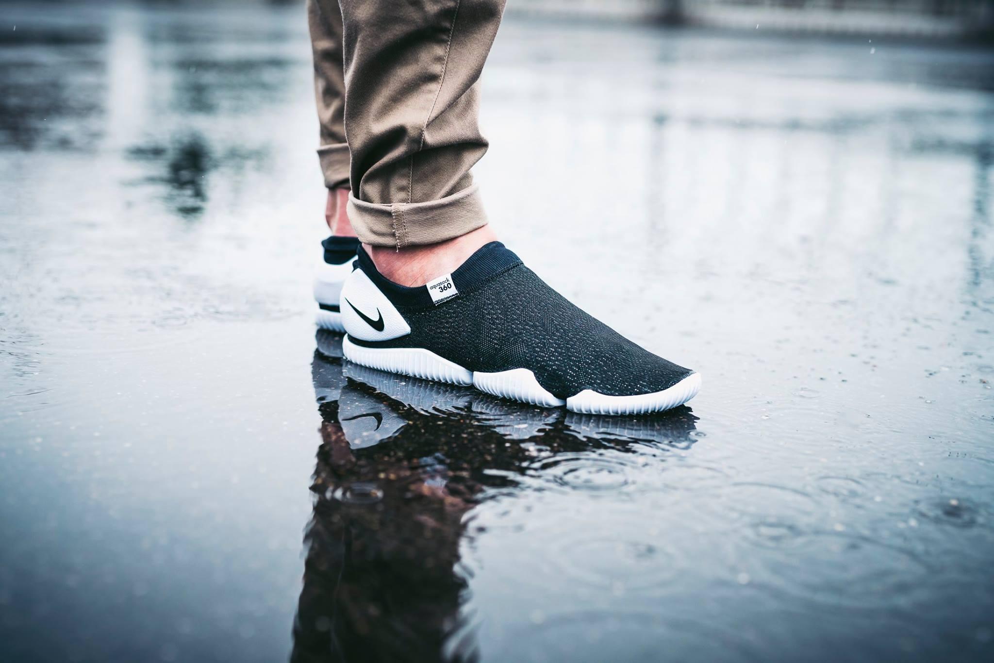 Classic Tones On The Nike Aqua Sock 360