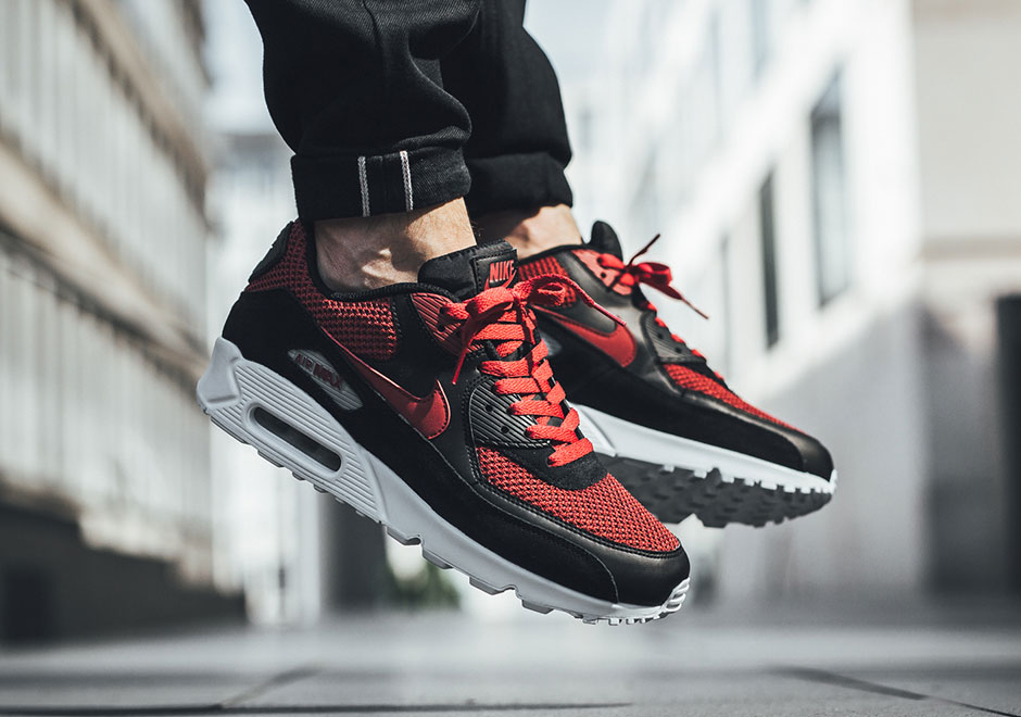 new concept afe75 78a6d This Nike Air Max 90 Takes On The Classic Black & Red Look ...