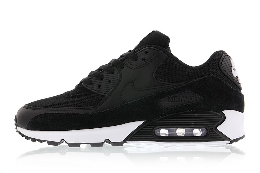 quality design 39cb5 0cc9e This Premium Nike Air Max 90 Features A Classic Color ...