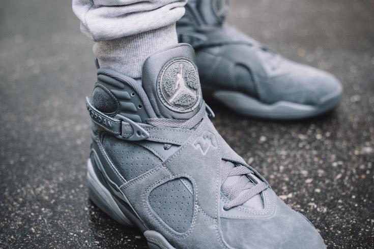 Air Jordan 8 Cool Grey •