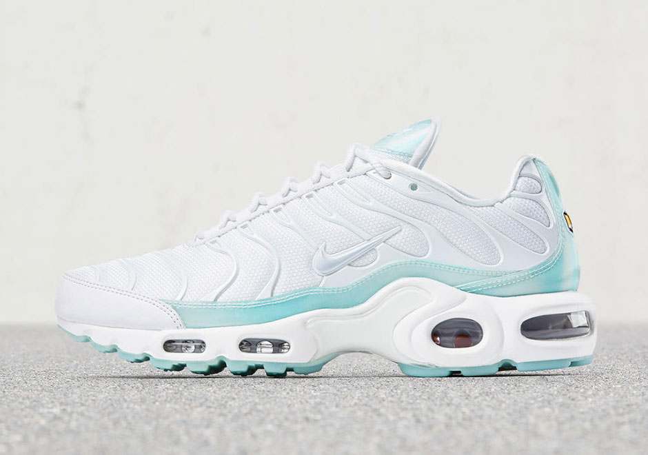 online retailer ba22e 53d07 New Women's Colorways Of The Nike Air Max Plus • KicksOnFire.com